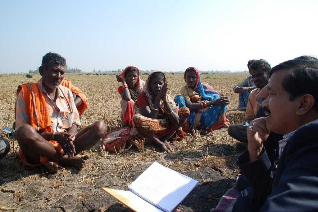 Dr. Balaram Sahu conducting a Pathe Pathshala session with the pig nomads